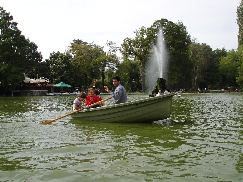 Boat ride in Cismigiu park